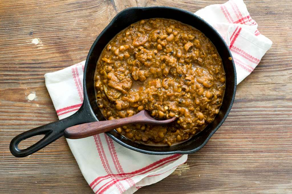 barbecue baked black-eyed peas | Homesick Texan
